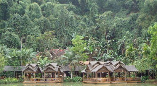 巴厘岛百度库+双子湖+水神庙+森林公园+香料市场一日游 独立成团 专车