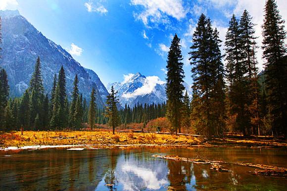 四川白马王朗国家级自然保护区门票(享受白马湖畔风光