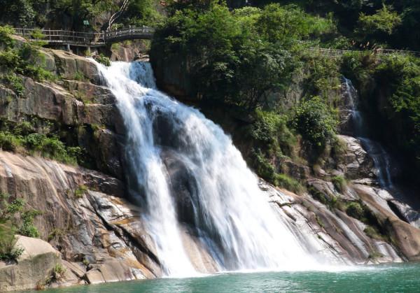 壁纸 风景 旅游 瀑布 山水 桌面 600_419