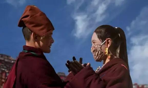 听着降央卓玛演唱的《那一天》,为那凄美的爱情故事所感动,仓央嘉