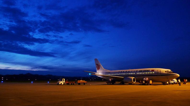 飞机 婺源没有飞机场,但是周边城市景德镇,黄山,衢州,南昌等都有机场