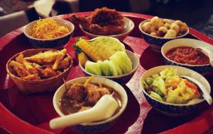 清迈娱乐-Khum Khantoke 帝王餐