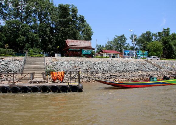 向游客开放的老挝木棉岛口岸