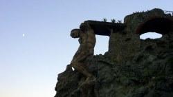 五渔村景点-蒙特罗索巨人雕塑