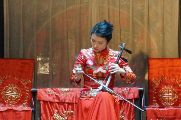 奏曲多源于京剧曲牌,如《小开门 《柳青娘》、《迎春》、《万年欢