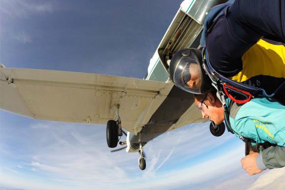 拉斯维加斯45秒自由落体跳伞体验(现场录制dvd服务可选)