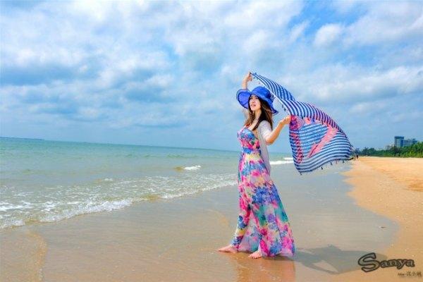 1,海岛沙滩类 如三亚湾  ,亚龙湾  ,大东海,海棠湾  ,蜈支洲岛,西岛